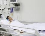 Bệnh nhân ngộ độc pate Minh Chay tại Bệnh viện Chợ Rẫy... sụp mi mắt hoàn toàn