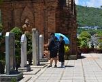 Nha Trang mở cửa Tháp Bà, Hòn Chồng, nhà hàng, khách sạn vẫn