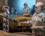 Ấn Độ có hơn 4,2 triệu ca bệnh COVID-19, bác sĩ kiệt sức lẫn lo sợ