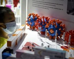 Vắc xin COVID-19 đang thử nghiệm, 2 hãng Trung Quốc đã khoe ở hội chợ