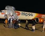 Hàng không bay xuyên đêm dịp Tết: Giờ nào cũng có chuyến, còn giá