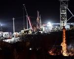 Trung Quốc chạy đua cứu 12 thợ mỏ 9 ngày mắc kẹt dưới lòng đất