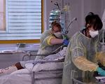 Châu Âu phát hoảng với 3 biến thể virus, tình hình