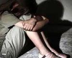 Bắt khẩn cấp nhân viên bán sách thuê để điều tra hành vi hiếp dâm bé gái 7 tuổi