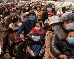 Dân lên phố chơi xuân, Hà Nội tắc đường hơn cả ngày thường