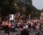 Dân trở lại Hà Nội sau tết phải khai báo y tế, chùa Hương không khai hội, đón khách