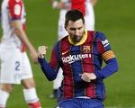 Hai lần sút xa ghi bàn đẹp mắt, Messi giúp Barca