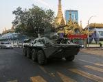 Quân đội Myanmar đưa xe bọc thép vào 3 thành phố cảnh cáo người biểu tình