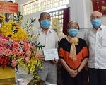 Trưởng Ban Tuyên giáo Thành ủy TP.HCM thăm, chúc mừng các thầy thuốc tiêu biểu