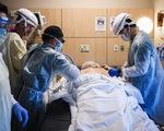 Các bác sĩ kể về cái chết của bệnh nhân COVID-19: Khủng khiếp chưa từng thấy