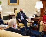 Lá phiếu của bà Harris đẩy gói cứu trợ 1.900 tỉ qua ải Thượng viện Mỹ