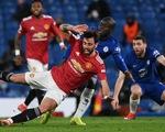 Chelsea và Man United níu chân nhau