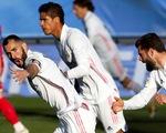 Benzema lập cú đúp giúp Real Madrid lội ngược dòng ngoạn mục