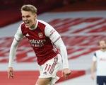 Arsenal thắng ngược Tottenham tại Emirates