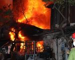 Hai vợ chồng cùng con gái chết trong căn nhà cháy ở quận 8