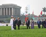 Đại biểu viếng Chủ tịch Hồ Chí Minh trước khai mạc kỳ họp cuối Quốc hội khóa XIV