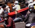 Đài Myanmar công bố việc khai quật và nói cảnh sát không bắn chết cô gái 19 tuổi biểu tình