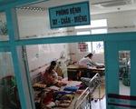 Mỗi ngày, bệnh viện ở Cần Thơ tiếp nhận điều trị hơn 70 ca tay chân miệng, nhiều ca nặng