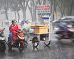 TP.HCM mưa lớn, sấm chớp trong đêm, dự báo mưa tiếp tục nhiều ngày tới