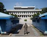 Hàn Quốc muốn cấm người dân gửi 'file' cho người Triều Tiên