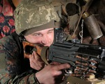 Nga tập trung 150.000 quân ở biên giới Ukraine, Mỹ kêu gọi hàng không 'thận trọng'