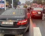 2 Mercedes trùng biển số