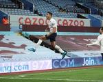 Thắng ngược Aston Villa, Man City tiến gần hơn đến ngôi vô địch