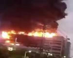 Nhà máy cung ứng cho Apple cháy suốt đêm, 8 người chết