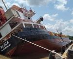 Tàu hàng ở Tân Cảng Hiệp Phước nghiêng, nhiều container rơi xuống sông
