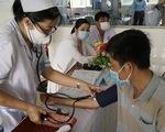 Đồng Tháp tiêm vắc xin cho giáo viên biên giới