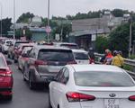 Cư dân mạng than trời vì '12 tiếng đi chưa được 150km'