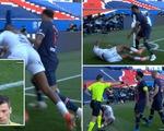 """Neymar lại """"gây chuyện"""" và bị thẻ đỏ, PSG thua """"đại kình địch"""" Lille"""