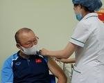 HLV Park Hang Seo được tiêm vắc xin phòng COVID-19