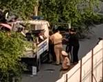 Cảnh sát giao thông túm tóc, đấm nam thanh niên vì bị lăng mạ, cản trở