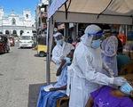 Nhìn từ Mỹ, Anh: Vắc xin sẽ giúp con người