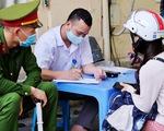 Hà Nội: 134 người không đeo khẩu trang bị phạt hơn 300 triệu, có cả người nước ngoài