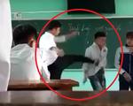 Thầy giáo tát, đá học sinh trước cả lớp: