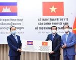 Việt Nam tặng vật tư y tế hỗ trợ Campuchia ứng phó COVID-19