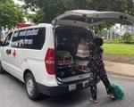 Vay ngân hàng 300 triệu mua xe cứu thương chở người nghèo miễn phí
