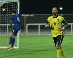 Cầu thủ nhập tịch gốc Brazil ghi bàn, Malaysia vẫn thảm bại 1-4 trước Kuwait