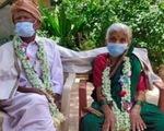 Cặp vợ chồng Ấn Độ hơn 100 tuổi chiến thắng COVID-19