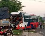 Xe tải đối đầu xe khách, một người tử vong