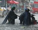 Bão đi dọc Philippines nhưng gây mưa cho miền Nam