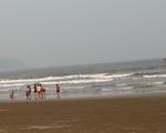 Ba em nhỏ chết đuối trong khi tắm biển ở Thanh Hóa
