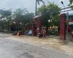 Lốc xoáy, hàng loạt nhà cửa tại Thái Bình tốc mái, cấp tốc ứng phó bão trước 18h chiều nay