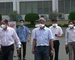 Thứ trưởng Nguyễn Trường Sơn thị sát Bệnh viện Bệnh nhiệt đới sau 22 ca mắc COVID-19