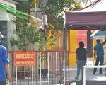 Một con hẻm ở Hồ Văn Huê bị cách ly do 2 người thuê nhà mắc COVID-19