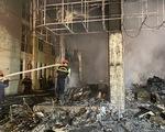 Dân đang xem Euro nghe tiếng nổ, phòng trà lớn cháy dữ dội, phát hiện 6 người chết ở tầng 2