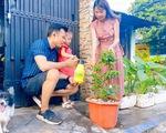 Cây táo xanh tươi gắn kết tình người nơi cách ly giữa Sài Gòn
