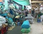 Chợ ế, các tiểu thương bán hàng qua Zalo,